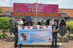Lima Komunitas Gandeng PWI Peduli Salurkan 1000 APD