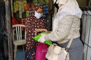 PWI Peduli Salurkan Bantuan dan Santunan _Setelah Dirawat 43 Hari Satu Keluarga Dinyatakan Negatif_